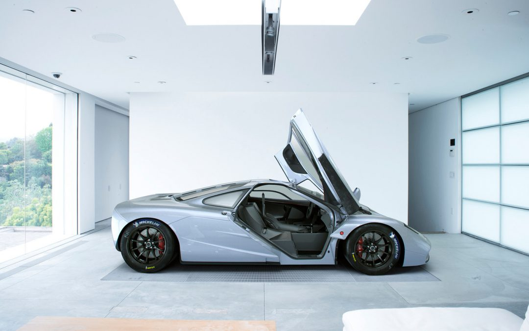 McLaren  by Carlos Pechino
